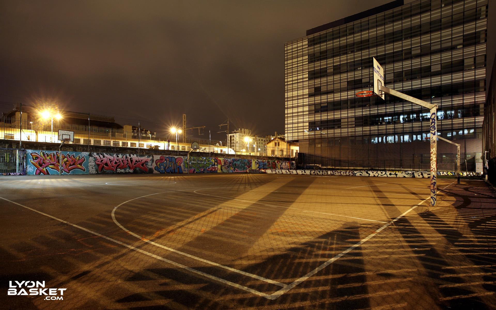 Terrains de street lyon basket site du basketball lyon for Terrain lyon